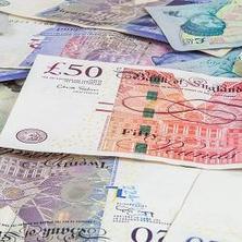 Tấm bằng của bạn sẽ được trả lương khởi điểm bao nhiêu ở Anh